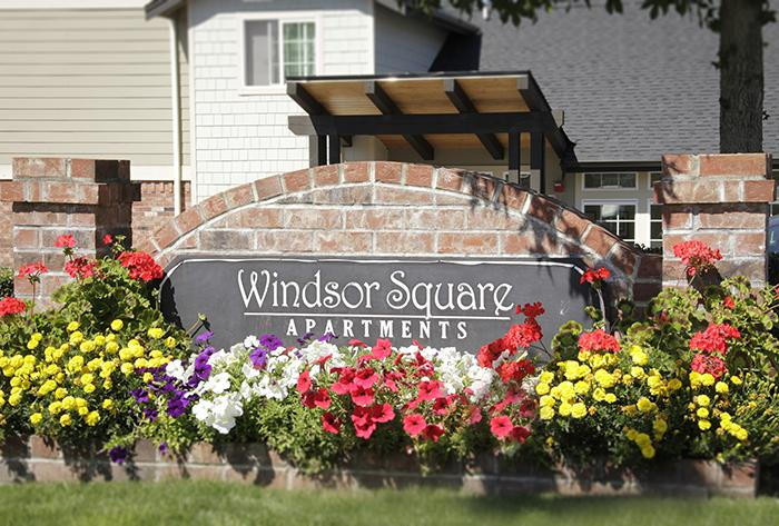 Windsor Square Apartments (photo 2)