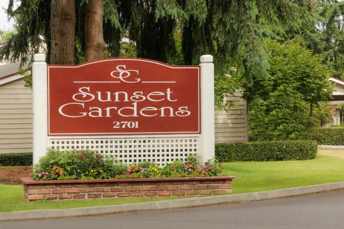 Sunset Gardens Condominiums (photo 2)